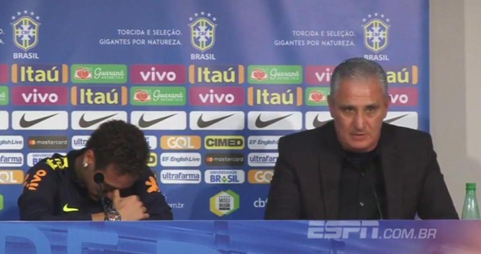 Neymar ứa nước mắt trong ngày họp báo