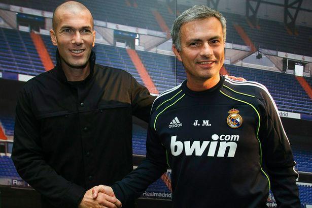Mourinho đang gặp khó khăn tại Man Utd