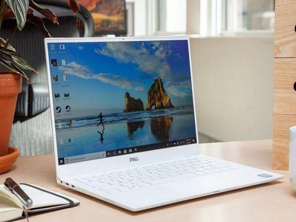 """5 mẫu laptop có thời lượng """"pin trâu'' nhất hiện nay"""
