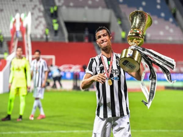 Lương Ronaldo nhận được và thu nhập từ quảng cáo của CR7